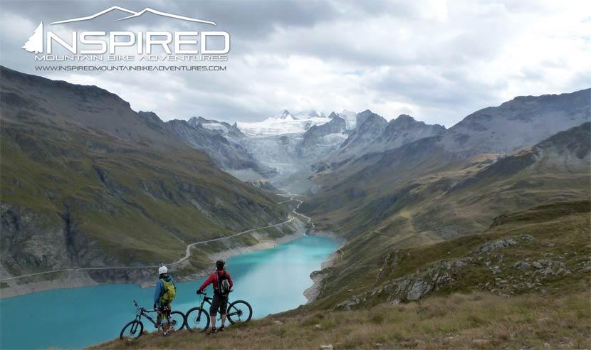 Superbes paysages avec un lac dans le Valais Suisse